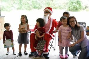 picnic santa & kids